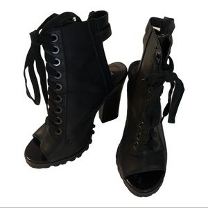Michael Antonio Black Lace Up Ankle Booties Sz 7